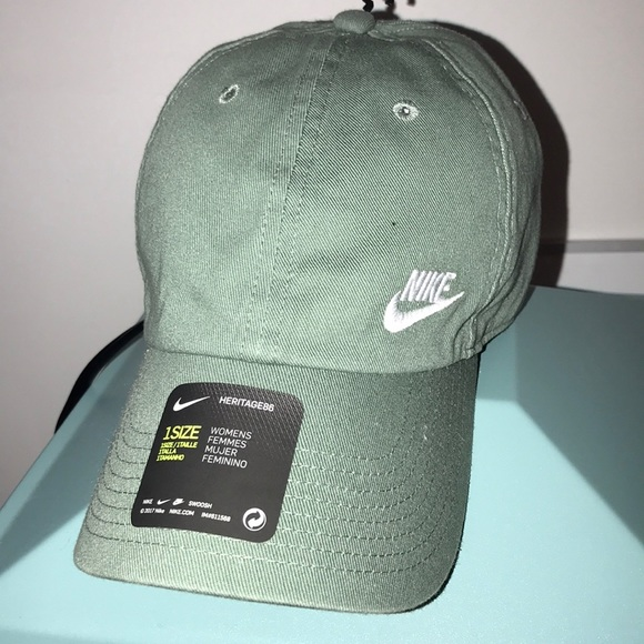 Brand new army green Nike hat a3490bc1f461
